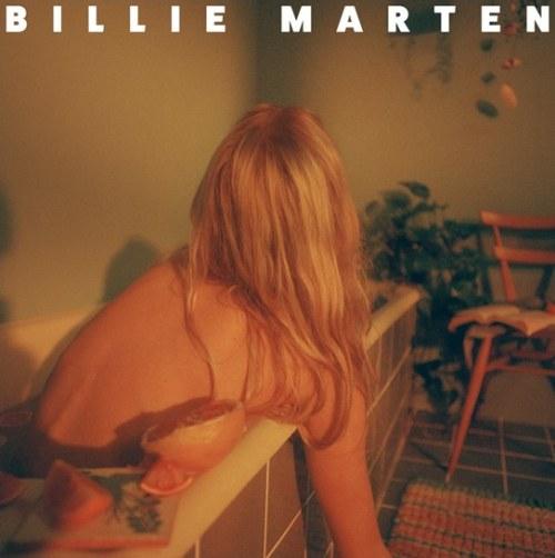 Billie Marten mit ihrem neuen...