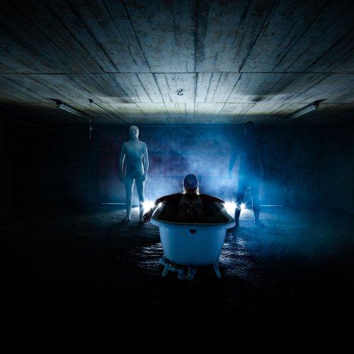 Elli veröffentlichten Single Dark Blue
